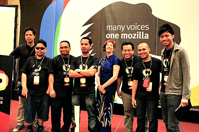 The Mozilla Philippines community with Chairperson Mitchell Baker at MozCamp Asia, Kuala Lampur in November 2011.
