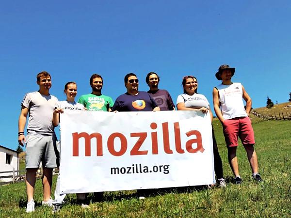Marcela Oniga on a 2013 trip to Fundatica, Brașov County, Romania with members of the Mozilla Romania community.